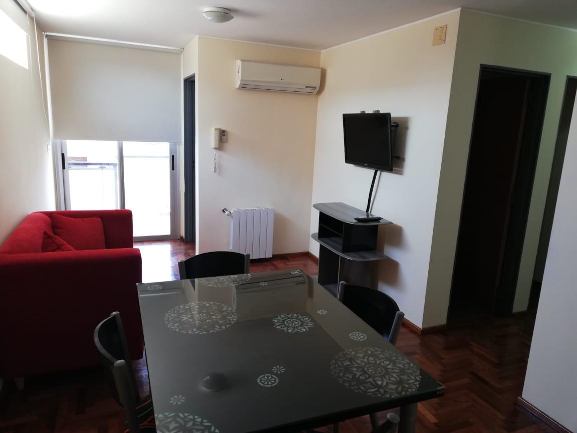 FotoDepartamento en Alquiler |  en  Centro,  Cordoba  Pueyrredon al 200