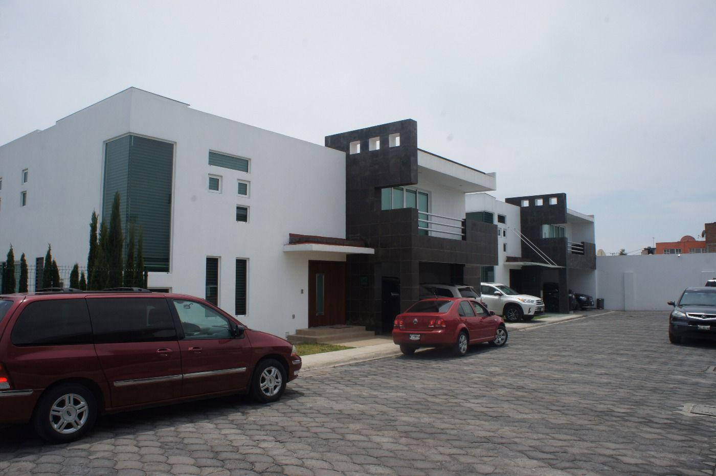 FotoCasa en condominio en Venta |  en  La Providencia,  Metepec  Casa en Venta en Providencia, Cascada del Angel, Metepec