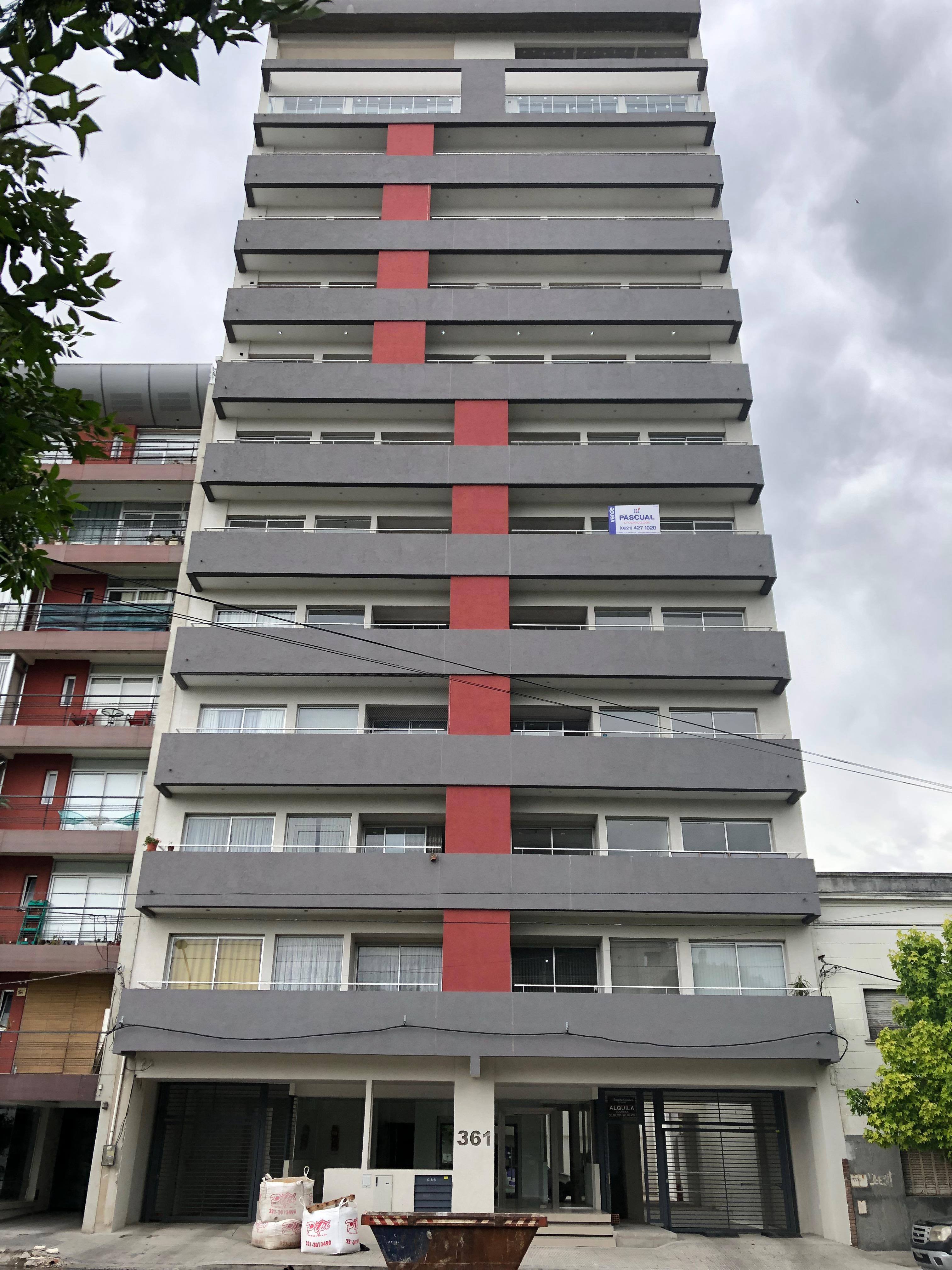 FotoDepartamento en Venta |  en  La Plata ,  G.B.A. Zona Sur  19 Nº al 300