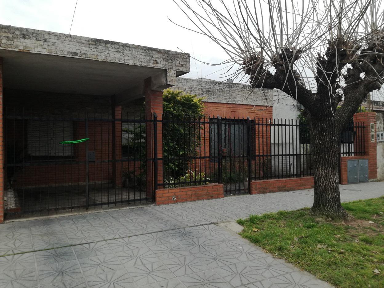 FotoCasa en Venta |  en  Villa Luzuriaga,  La Matanza  Buchardo al 3000