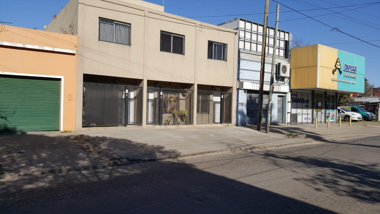 FotoDepartamento en Alquiler    en  Centro (Moreno),  Moreno  España al 900 esq. J. Daract