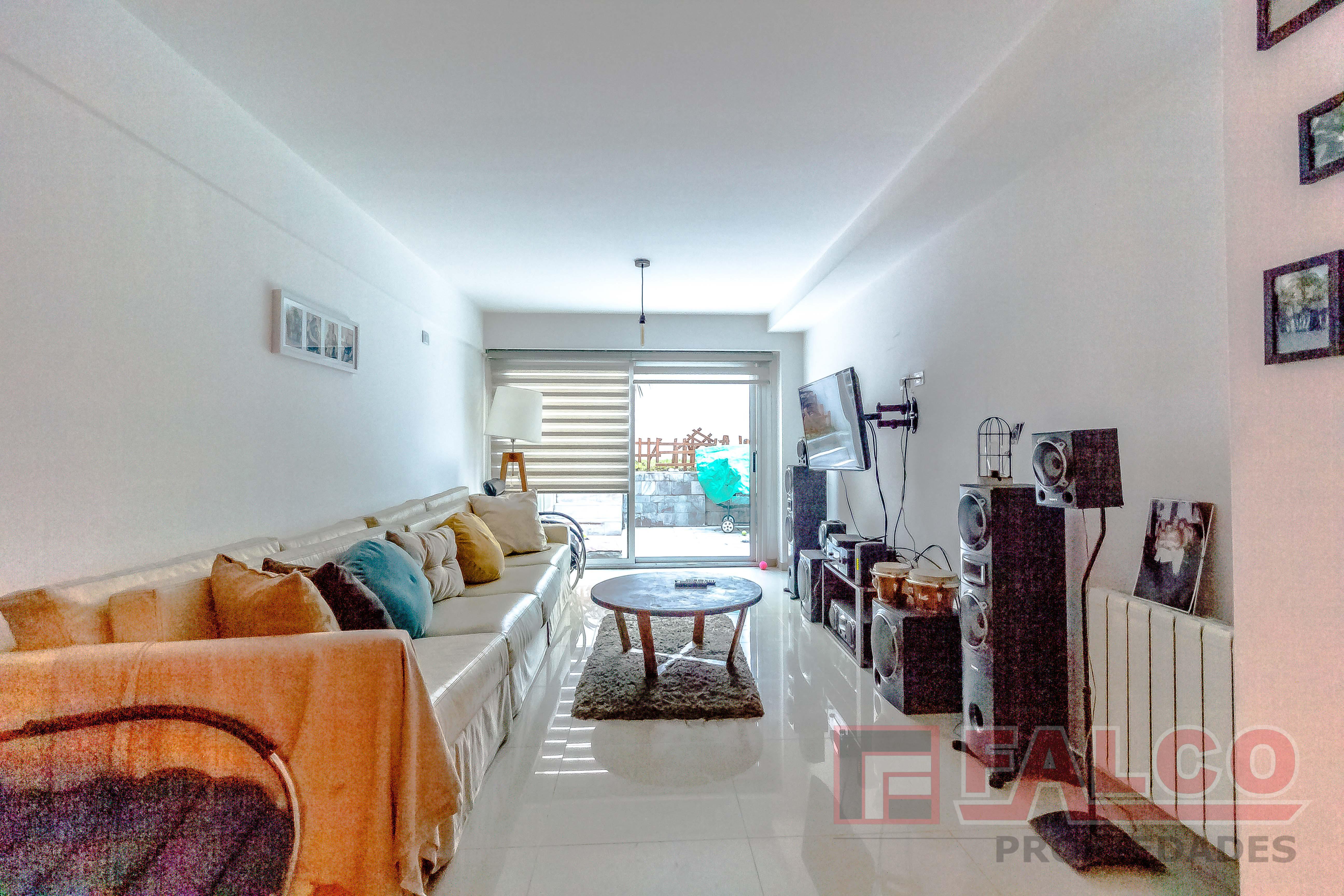 FotoDepartamento en Venta    en  Caballito ,  Capital Federal  Directorio al 1600