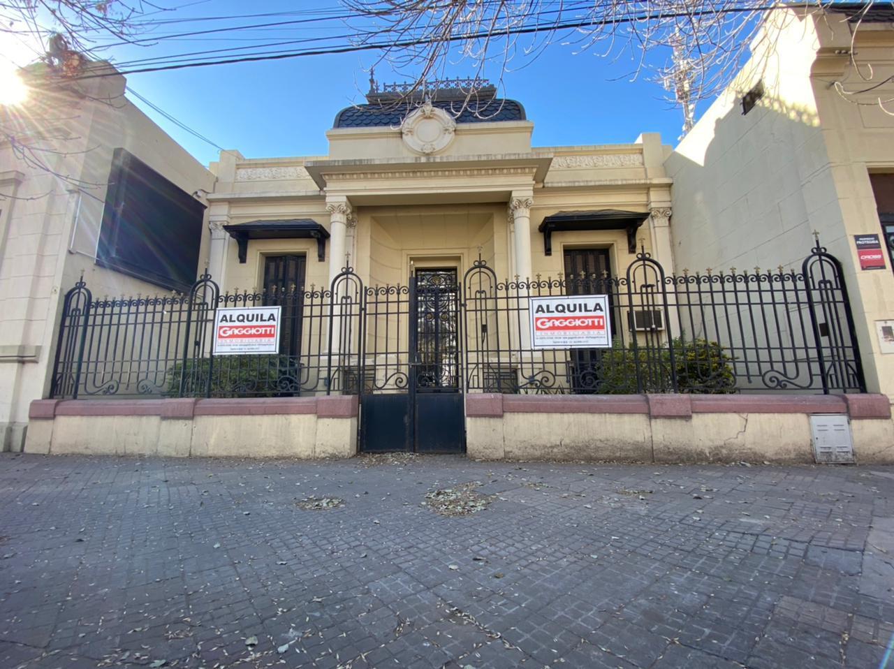 Pueyrredón 168 - Gaggiotti Inmobiliaria cuenta con más de 50 años desde que se inicio en el negocio de los servicios inmobiliarios.