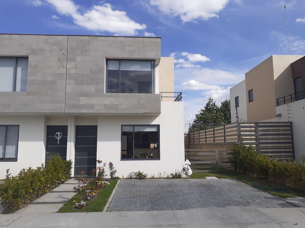 FotoCasa en condominio en Renta   Venta    en  Villas del Campo,  Calimaya  VENTA/RENTA DE CASA EN VILLAS DEL CAMPO CALIMAYA