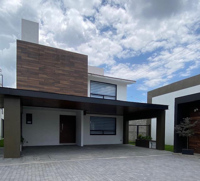 FotoCasa en condominio en Venta    en  Metepec ,  Edo. de México  Venta de casa en Residencial Toscana Metepec