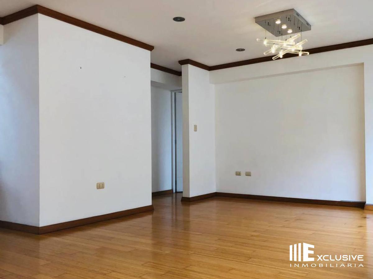 FotoDepartamento en Venta |  en  Santiago de Surco,  Lima  Santiago de Surco