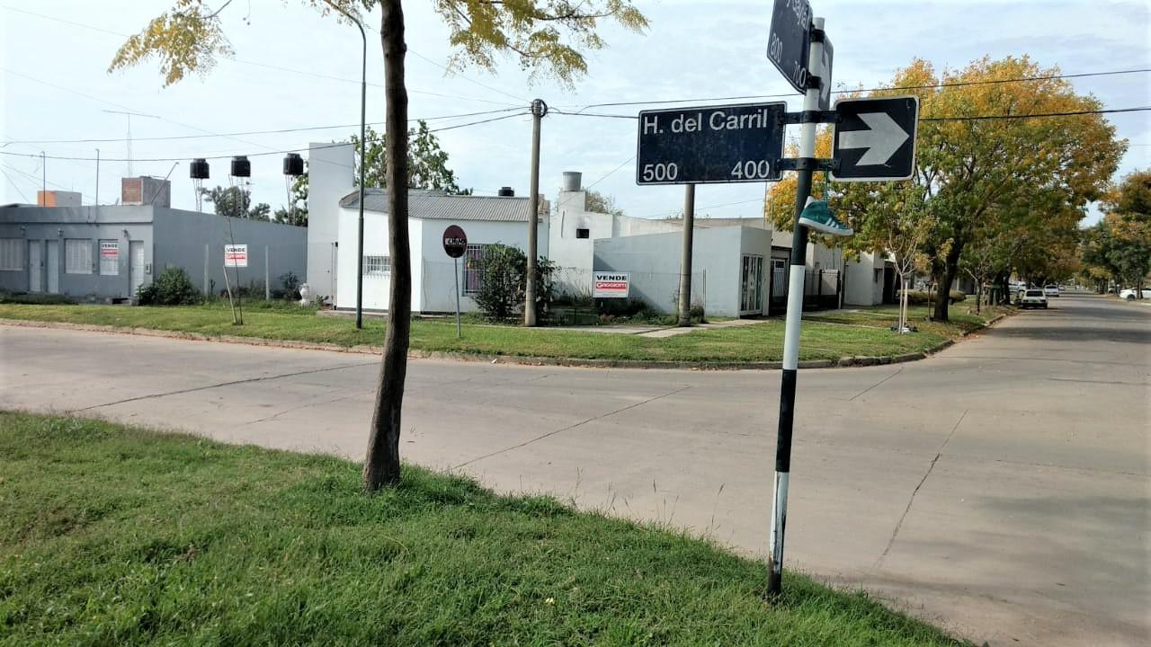 E. Gaitan esq. H. del Carril - Gaggiotti Inmobiliaria cuenta con más de 50 años desde que se inicio en el negocio de los servicios inmobiliarios.