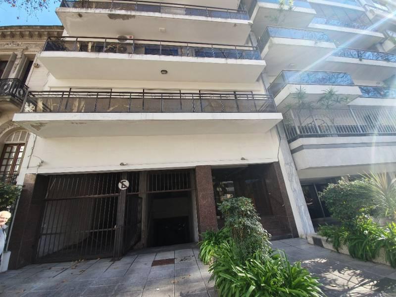 FotoDepartamento en Venta    en  Rosario ,  Santa Fe  Oroño  al 1100