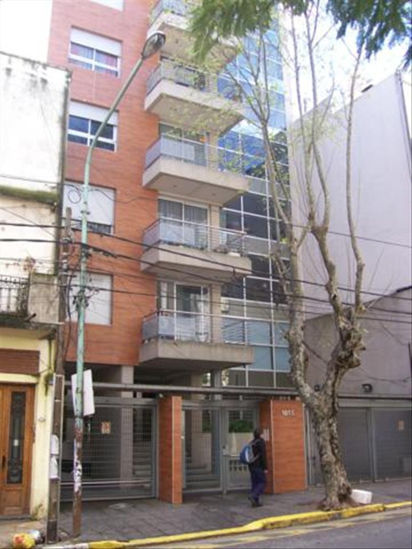 FotoDepartamento en Alquiler |  en  Moron,  Moron  Buen Viaje al 1000