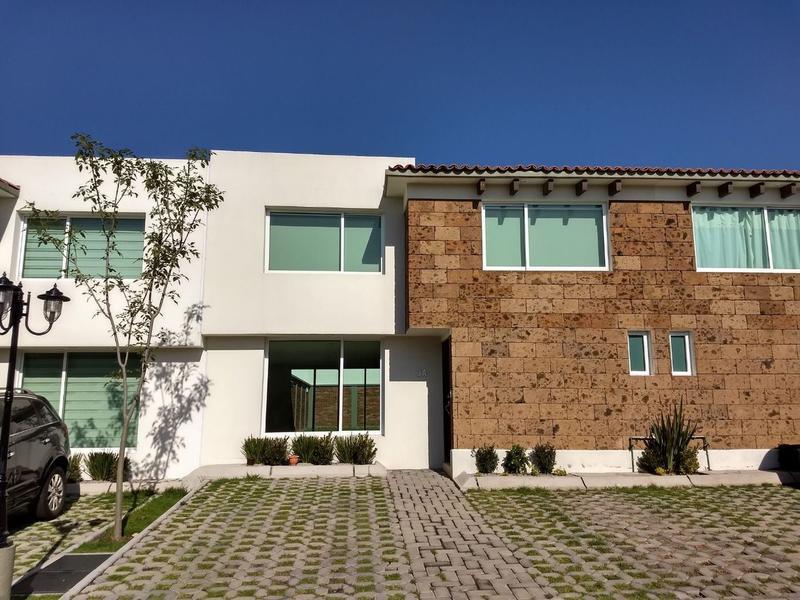 FotoCasa en condominio en Renta |  en  San Andrés Ocotlán,  Calimaya   Casa en renta, Bosques de las Fuentes Calimaya, Estado de México