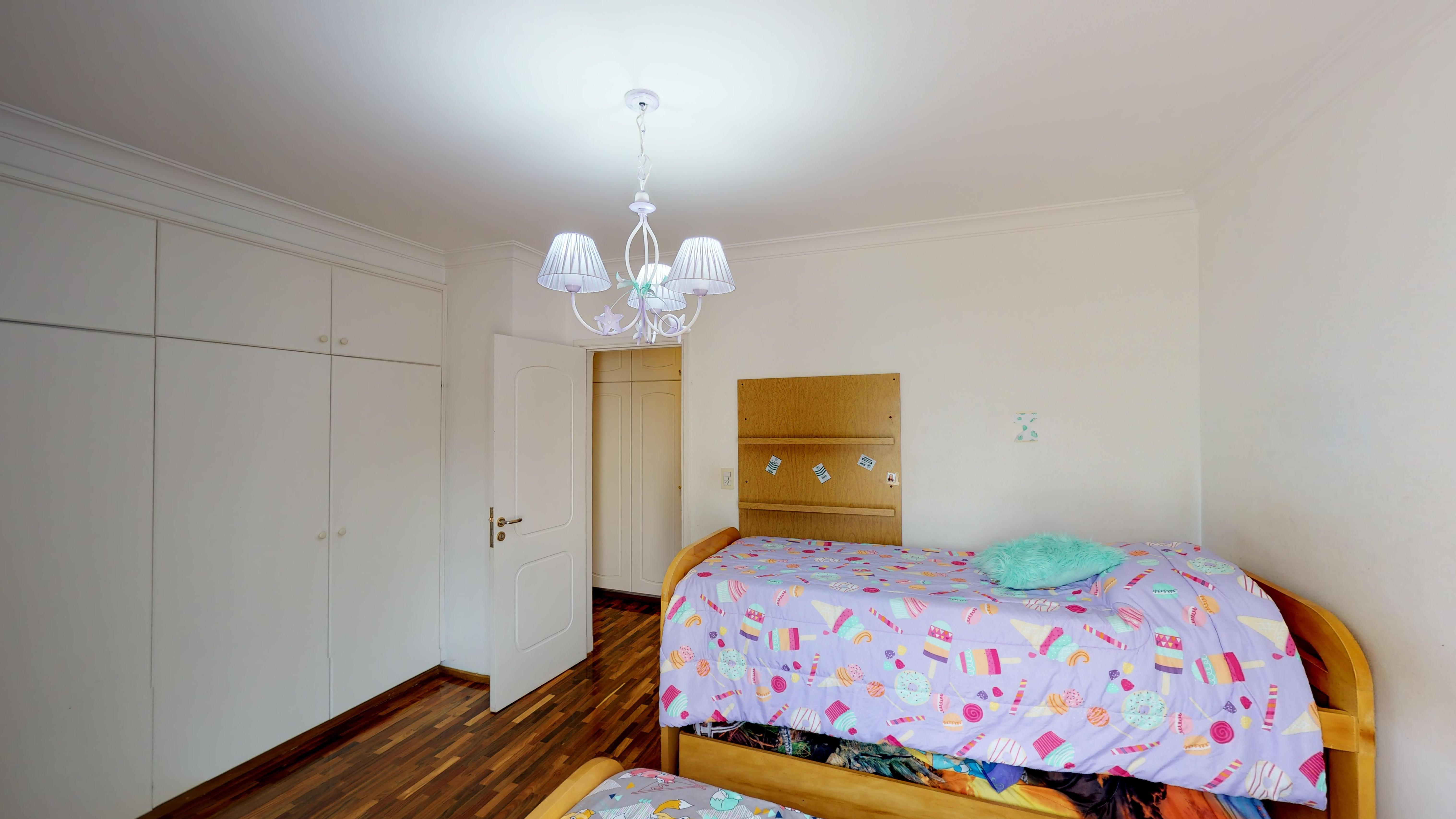Dormitorio con balcon al contrafrente