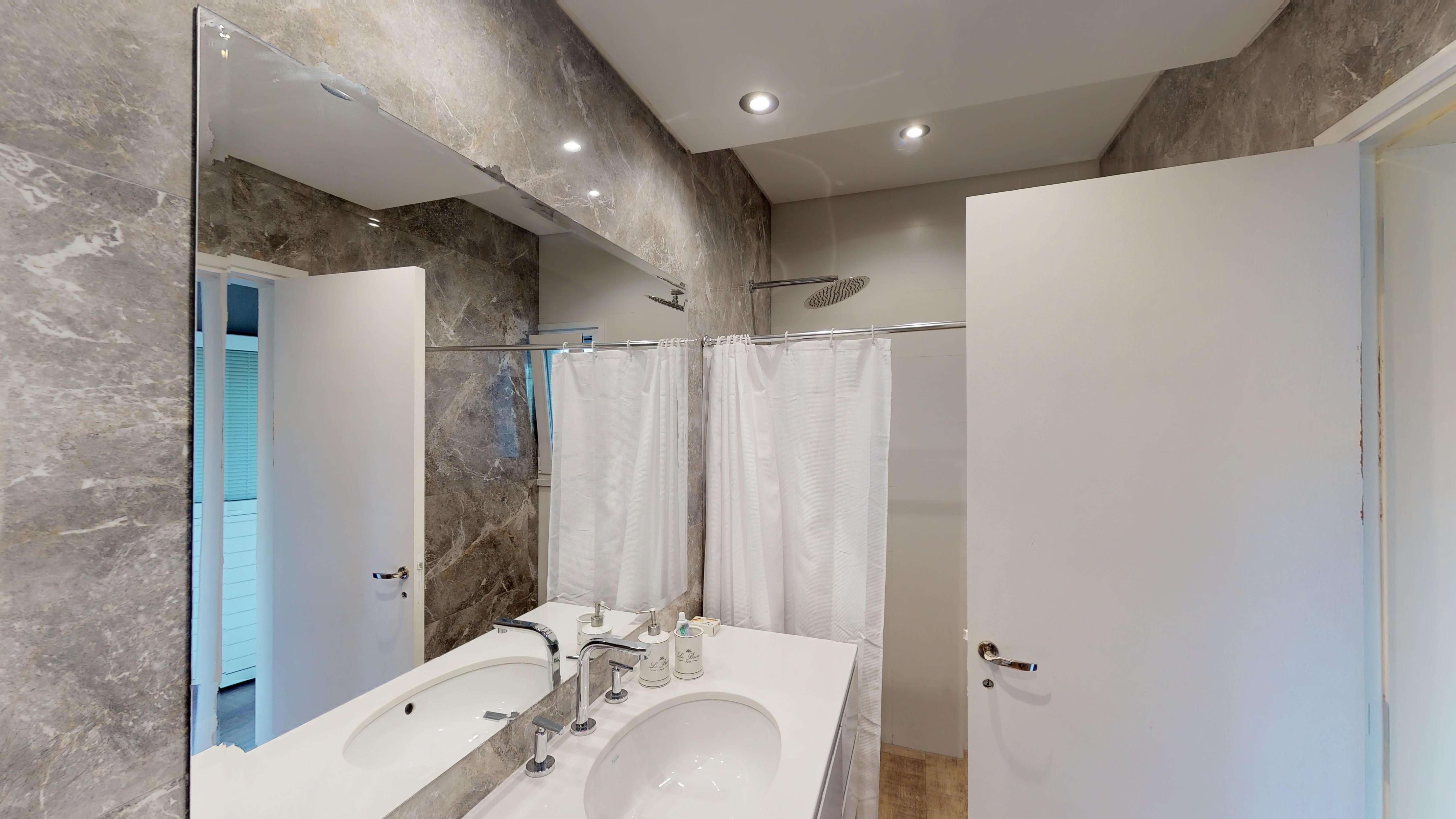 Baño principal PB