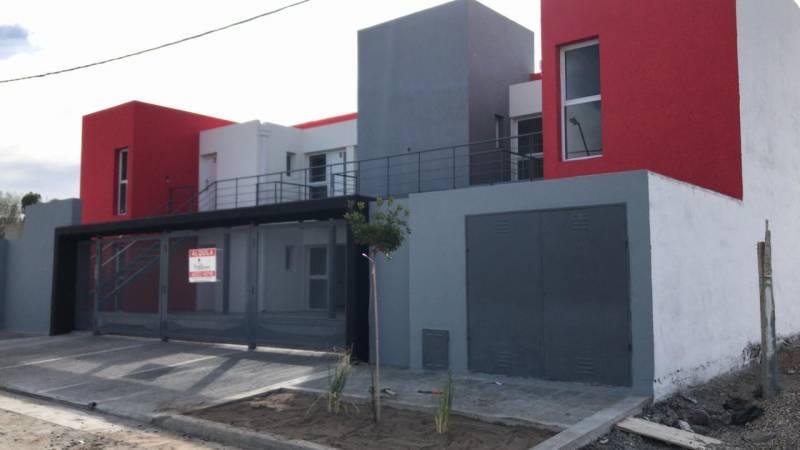 FotoDepartamento en Alquiler |  en  General Roca ,  Rio Negro  SAAVEDRA  al 2200