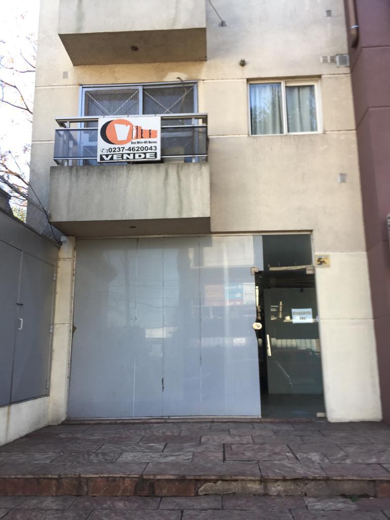 FotoLocal en Alquiler |  en  Centro (Moreno),  Moreno  Rivadavia al 100