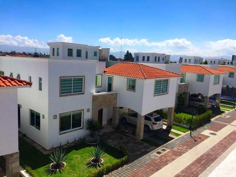 FotoCasa en condominio en Venta |  en  Bellavista,  Metepec  Casa en Venta en Residencial  Bellavista Metepec