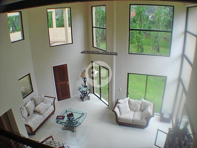 Casa Venta o Alquiler en Punta del Este Rinc�n del Indio de 5 Dormitorios