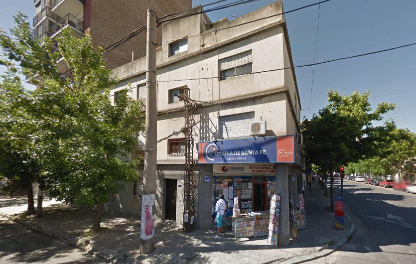 FotoDepartamento en Venta |  en  Pichincha,  Rosario  Urquiza 2793 - Departamento 2 Dormitorios al Frente Primer Piso por Escalera