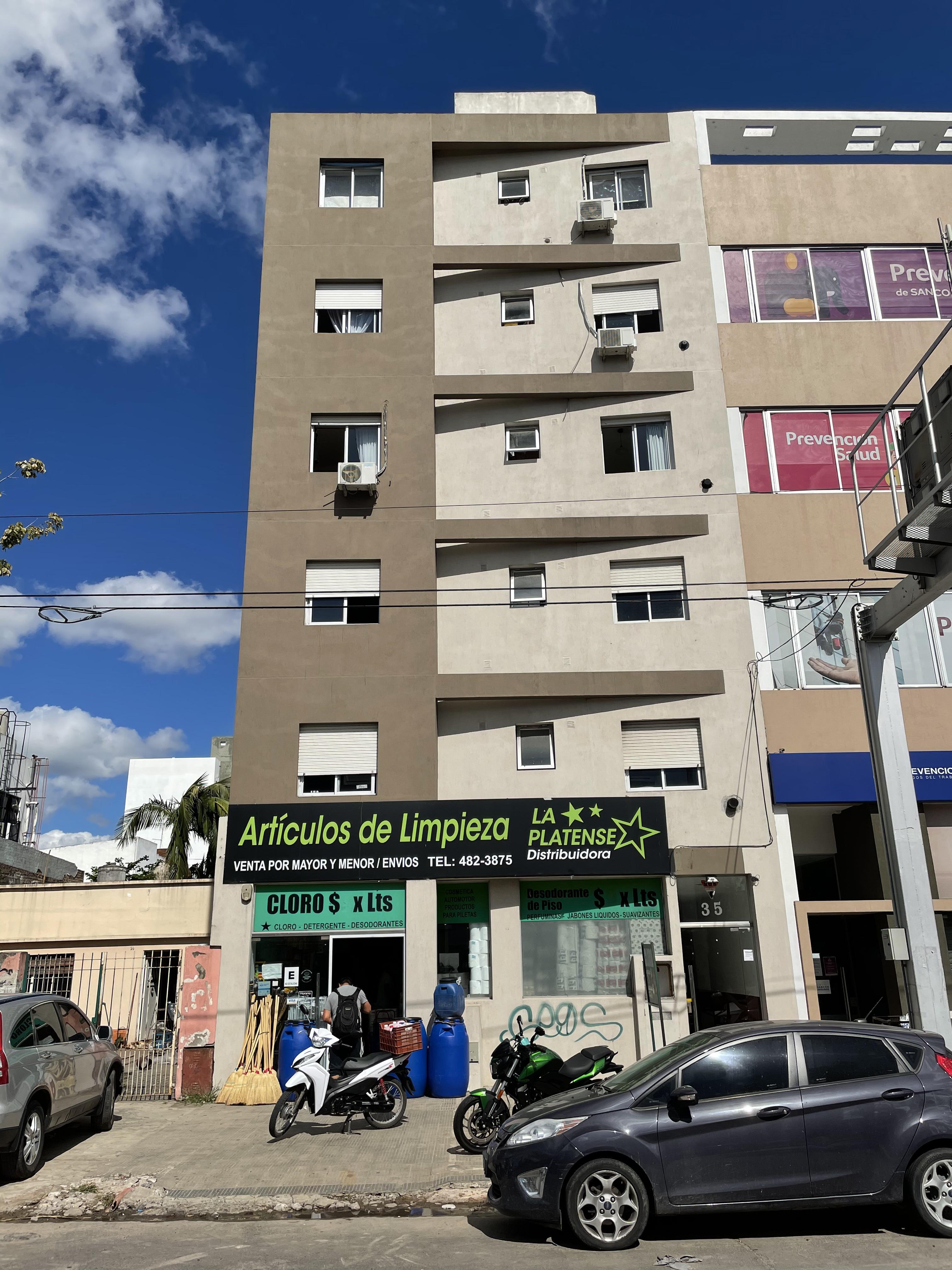FotoDepartamento en Venta    en  La Plata ,  G.B.A. Zona Sur  13 N 35 entre 32 y 33