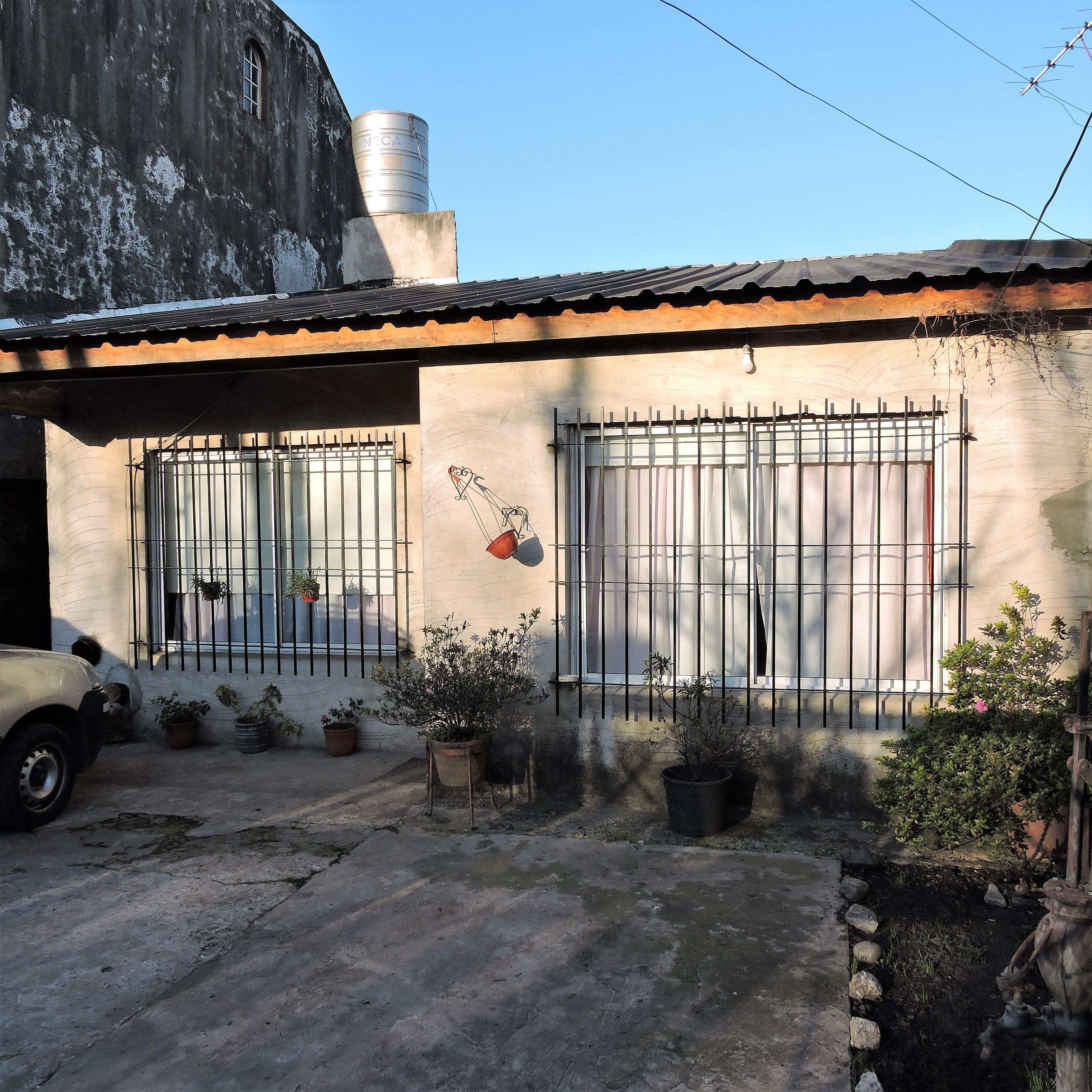 FotoCasa en Venta    en  Castelar Norte,  Castelar  San Nicolas al 2400