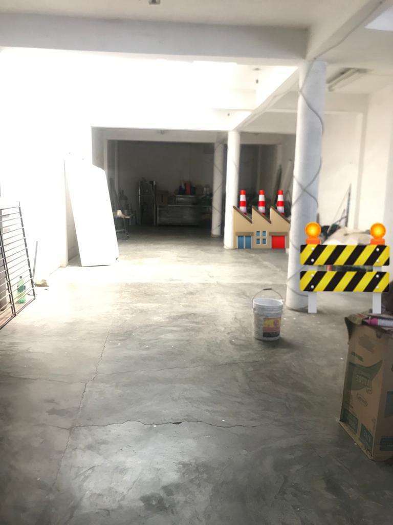 FotoBodega Industrial en Venta |  en  León ,  Guanajuato  Bodega en VENTA Calle de la Postura
