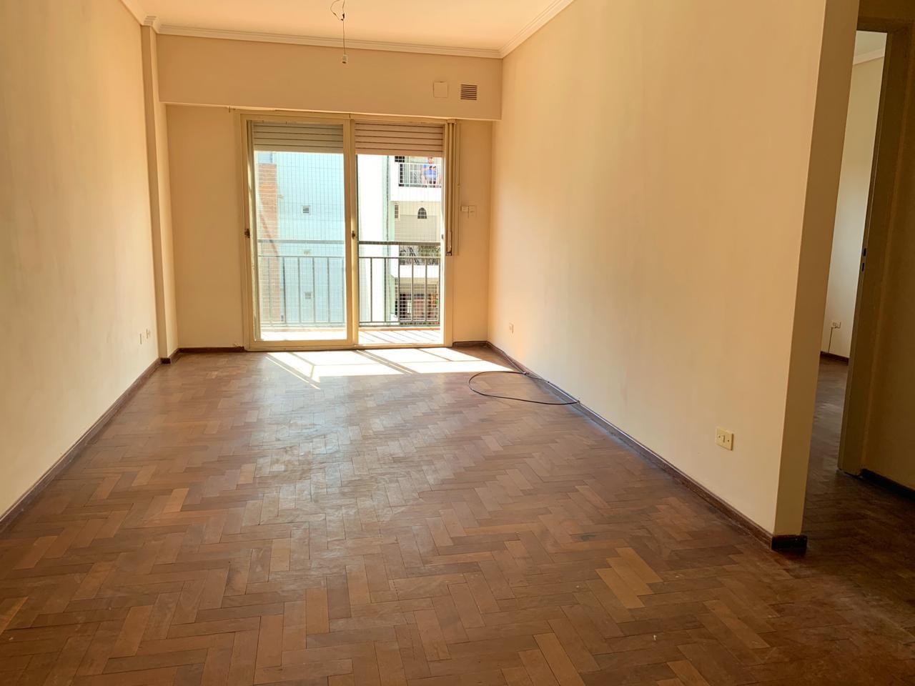 FotoDepartamento en Venta |  en  Macrocentro,  Rosario  España al 300