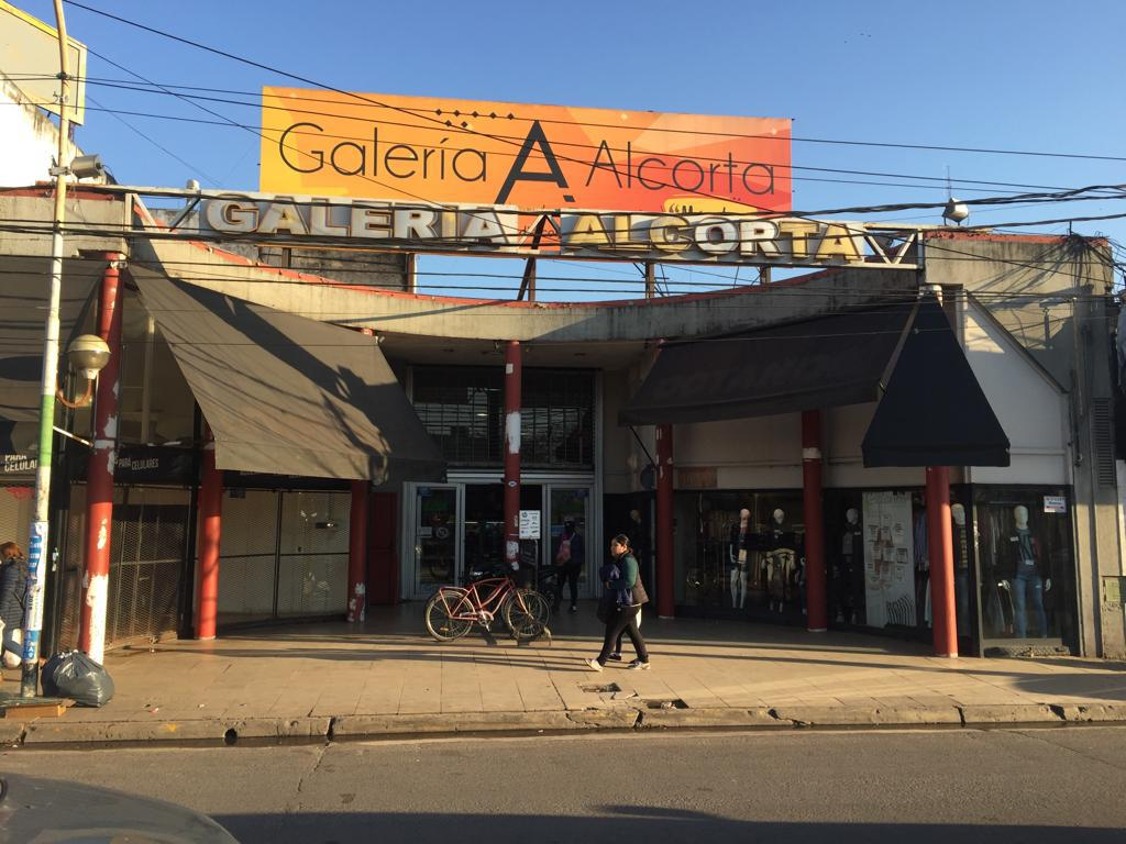 FotoLocal en Alquiler    en  Centro (Moreno),  Moreno  Locales y Góndolas en Galería Alcorta, Moreno