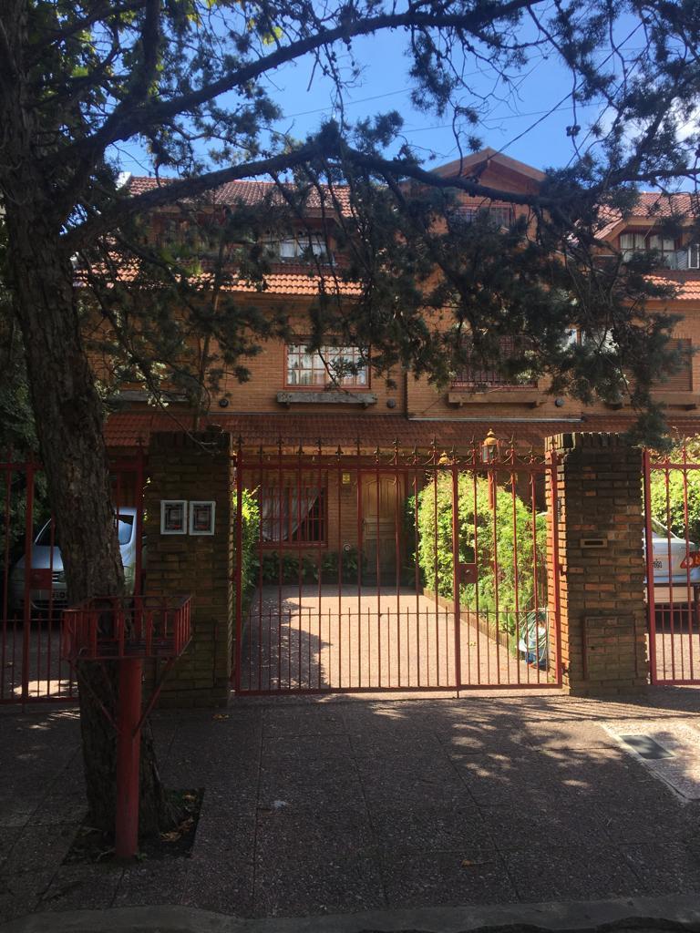FotoCasa en Venta |  en  Olivos-Maipu/Uzal,  Olivos  Caseros al 4100