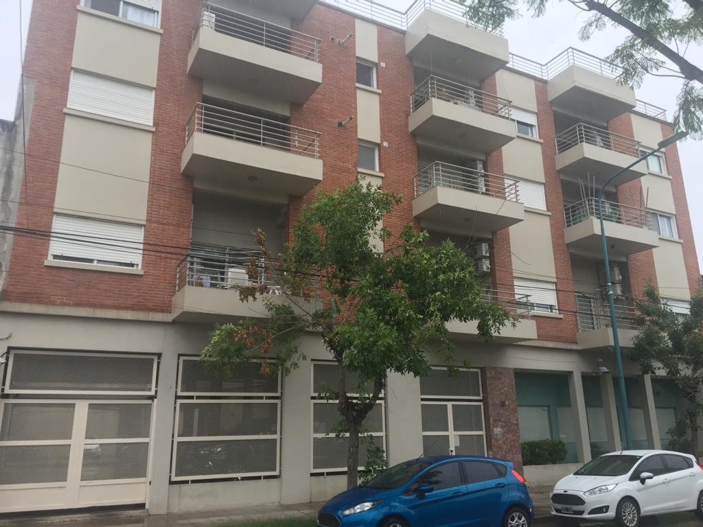 FotoDepartamento en Venta |  en  Olivos,  Vicente Lopez  Debenedetti al 2500
