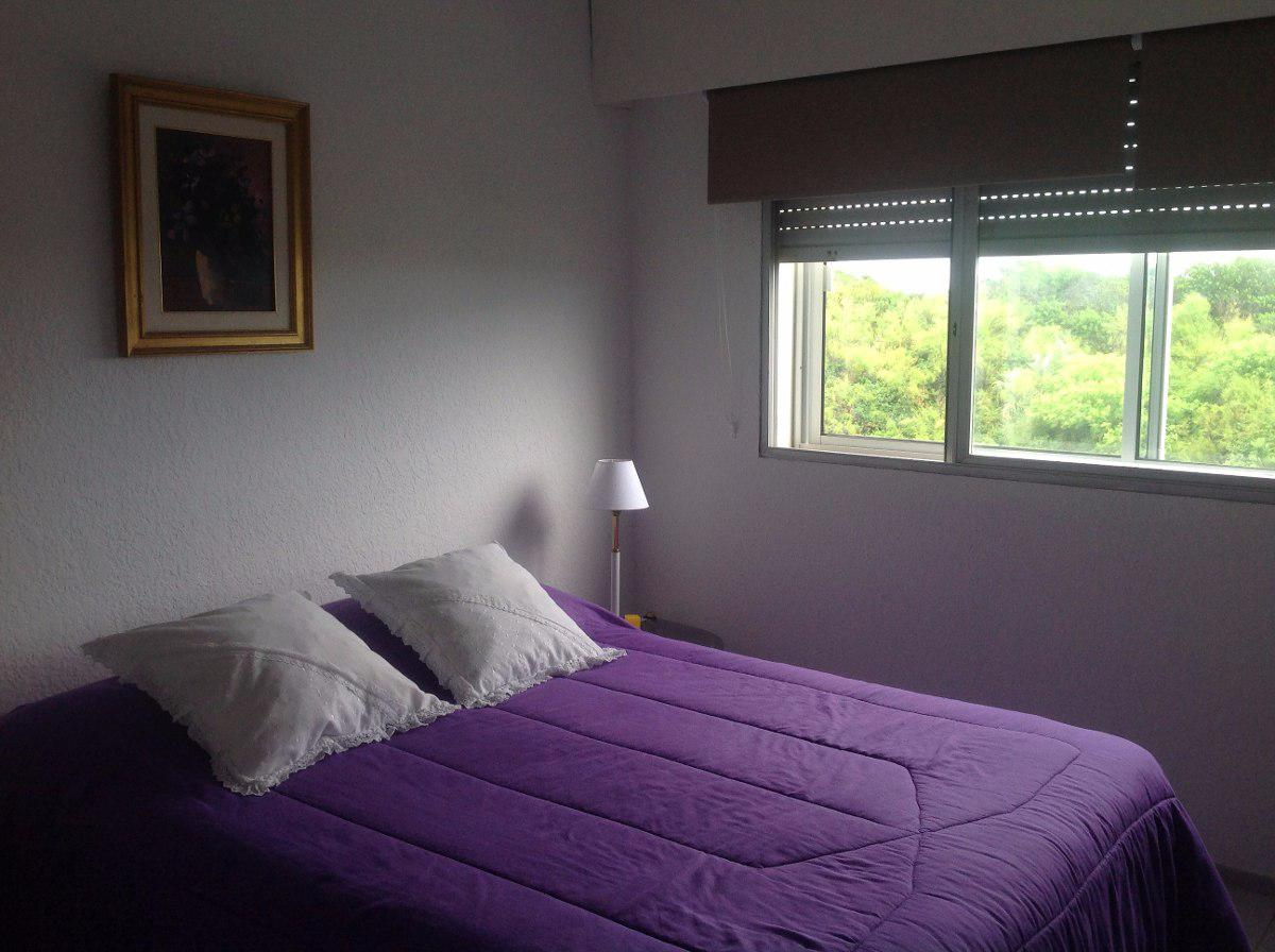 Apartamento  en Punta del Este Playa Mansa de 2 Dormitorios