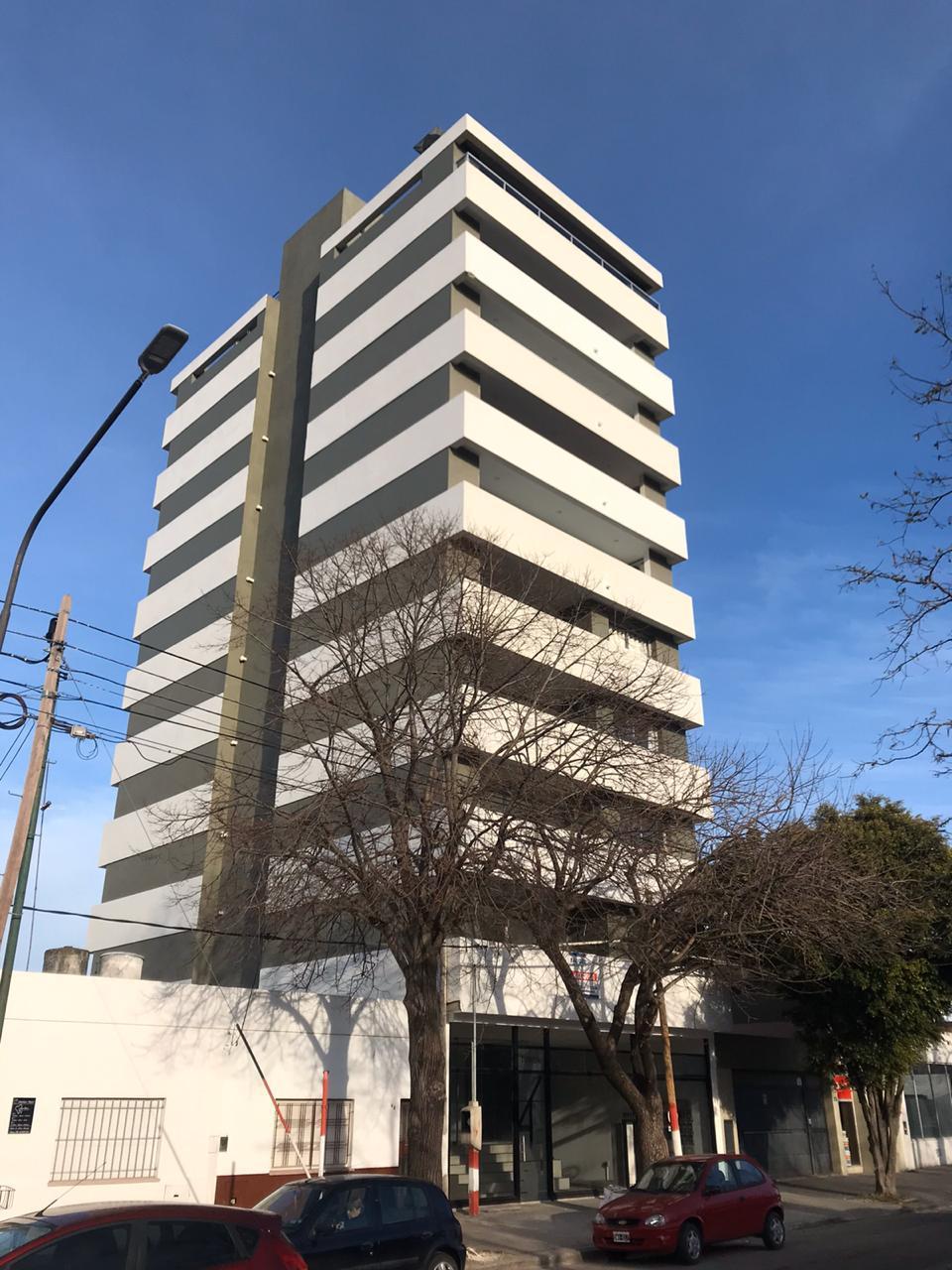 FotoDepartamento en Venta |  en  La Plata ,  G.B.A. Zona Sur  19 y 33