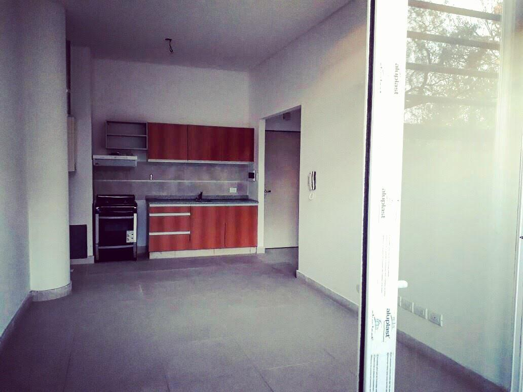 FotoDepartamento en Venta |  en  Moron Sur,  Moron  José María Casullo al 22