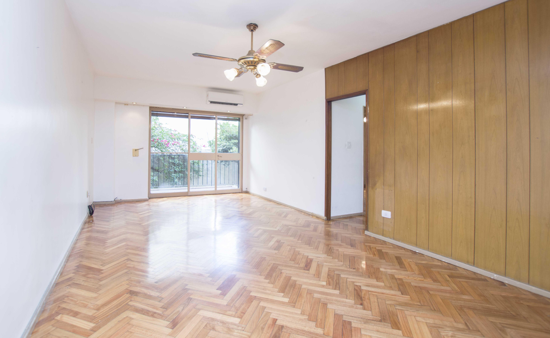 FotoDepartamento en Venta |  en  Caballito ,  Capital Federal  Acoyte al 100 PISO 1