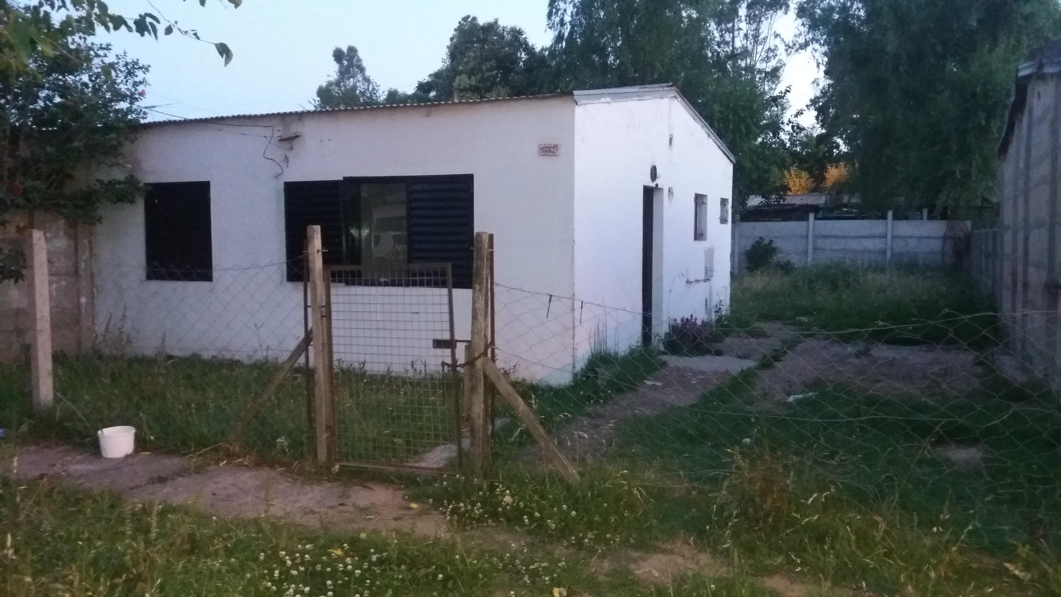 Foto Casa en Venta | Alquiler |  en  Coronel Brandsen,  Coronel Brandsen  E. diaz entre 12 y 13