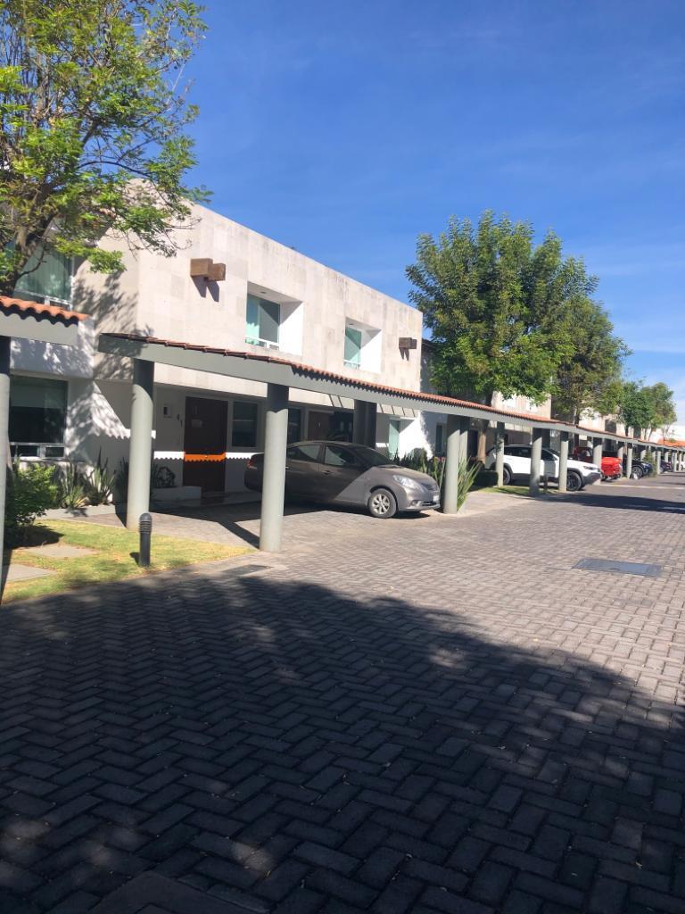 FotoCasa en condominio en Venta |  en  Ocoyoacac ,  Edo. de México  Casa en Venta en Bosque de de los Encinos