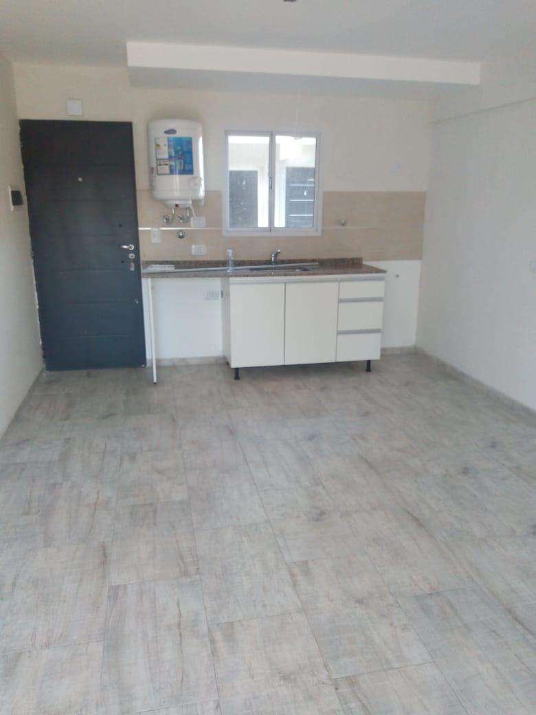 FotoDepartamento en Venta    en  Moron Sur,  Moron  Aguero al 300