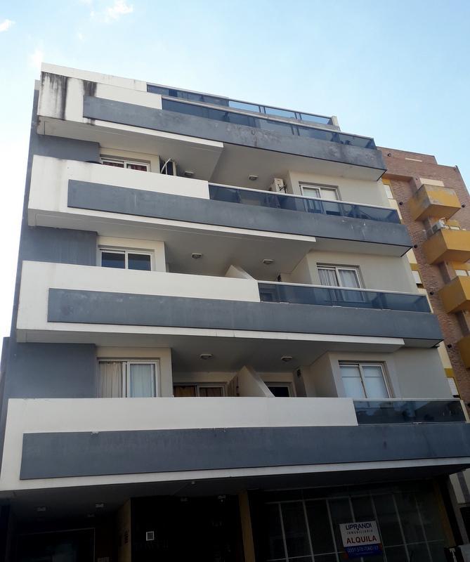 FotoDepartamento en Alquiler |  en  Alberdi,  Cordoba  PASO DE LOS ANDES 78