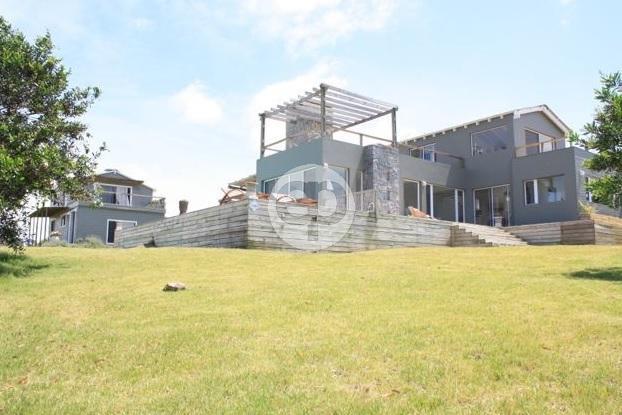 Casa  en Punta del Este Arenas de Jos� Ignacio de 5 Dormitorios
