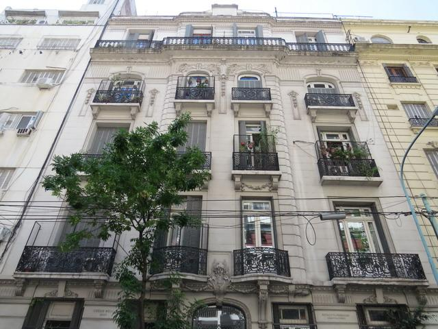 Foto Departamento en Venta en  Recoleta ,  Capital Federal  Larrea al 900