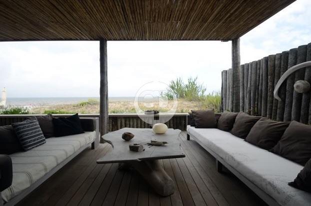 Casa  en Punta del Este Punta Piedras de 5 Dormitorios