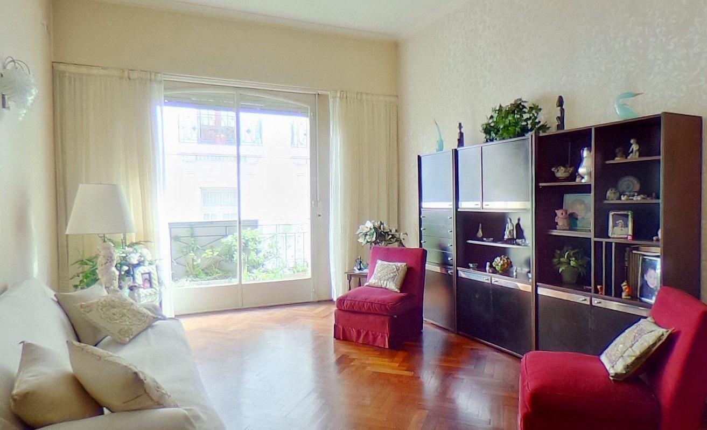 FotoDepartamento en Venta |  en  San Nicolas,  Centro  MONTEVIDEO al 100