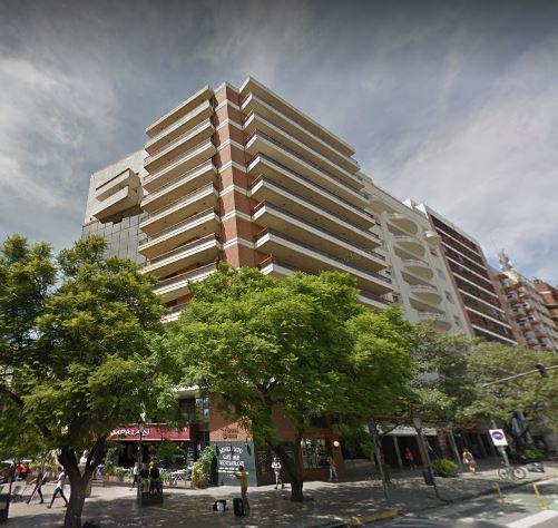 FotoDepartamento en Venta    en  Nueva Cordoba,  Capital  Piso de categoría en HIPOLITO YRIGOYEN