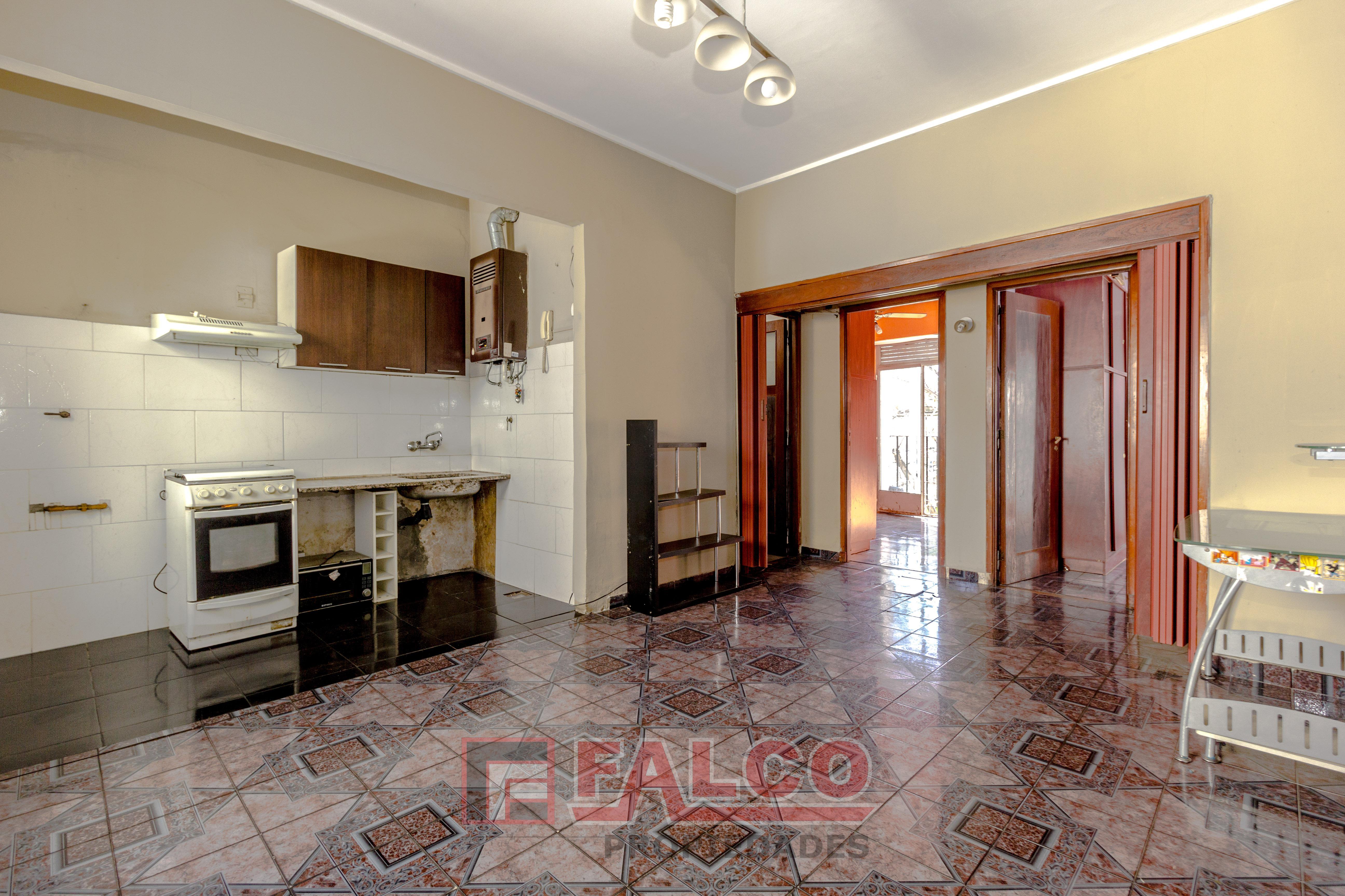 FotoDepartamento en Venta |  en  Flores ,  Capital Federal  Varela al 300