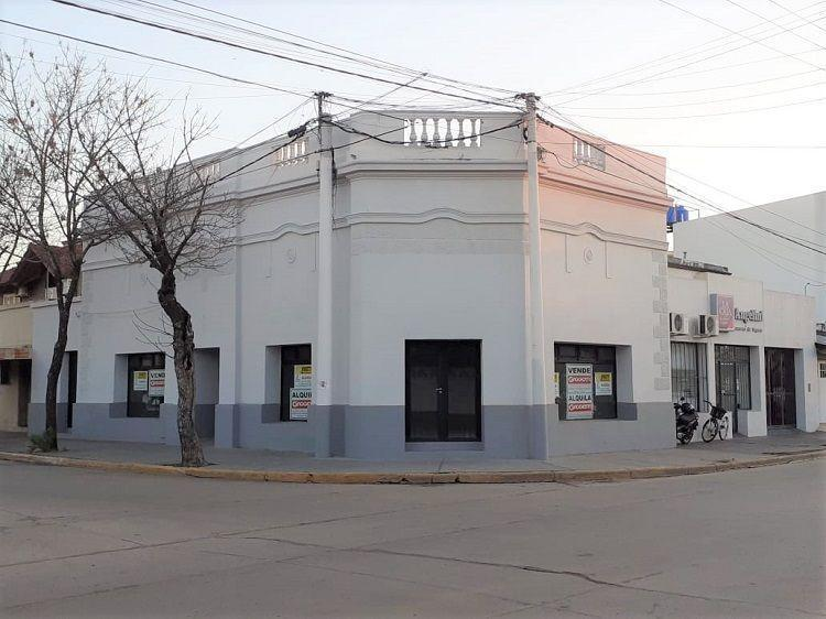 25 de Mayo esq. Av. E. Salva - Gaggiotti Inmobiliaria cuenta con más de 50 años desde que se inicio en el negocio de los servicios inmobiliarios.