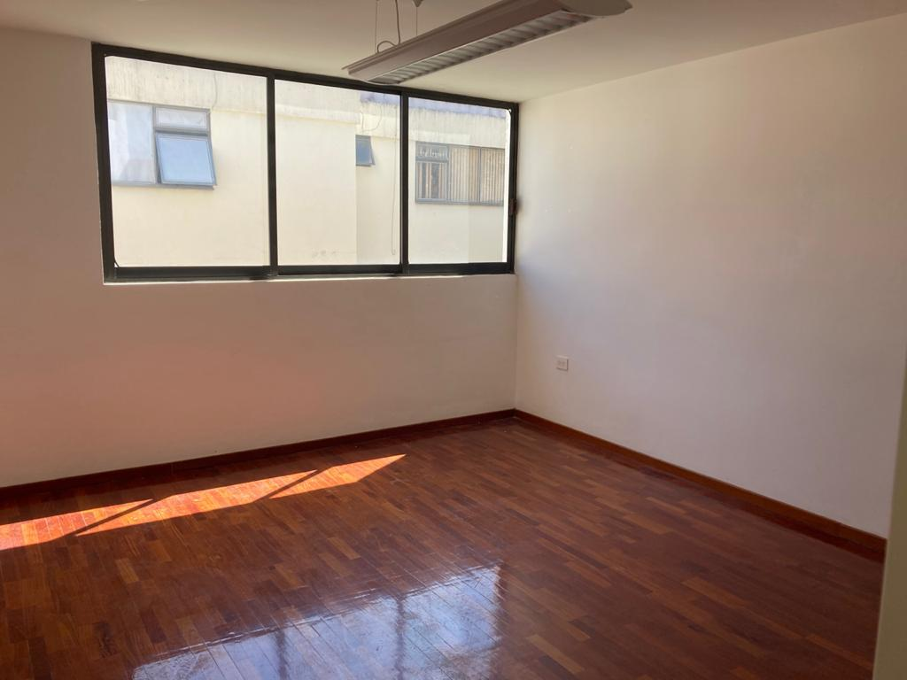 FotoOficina en Renta |  en  Anzures,  Puebla  Oficina en renta zona Plaza Dorada, oficina de 12m2 con sala de Juntas