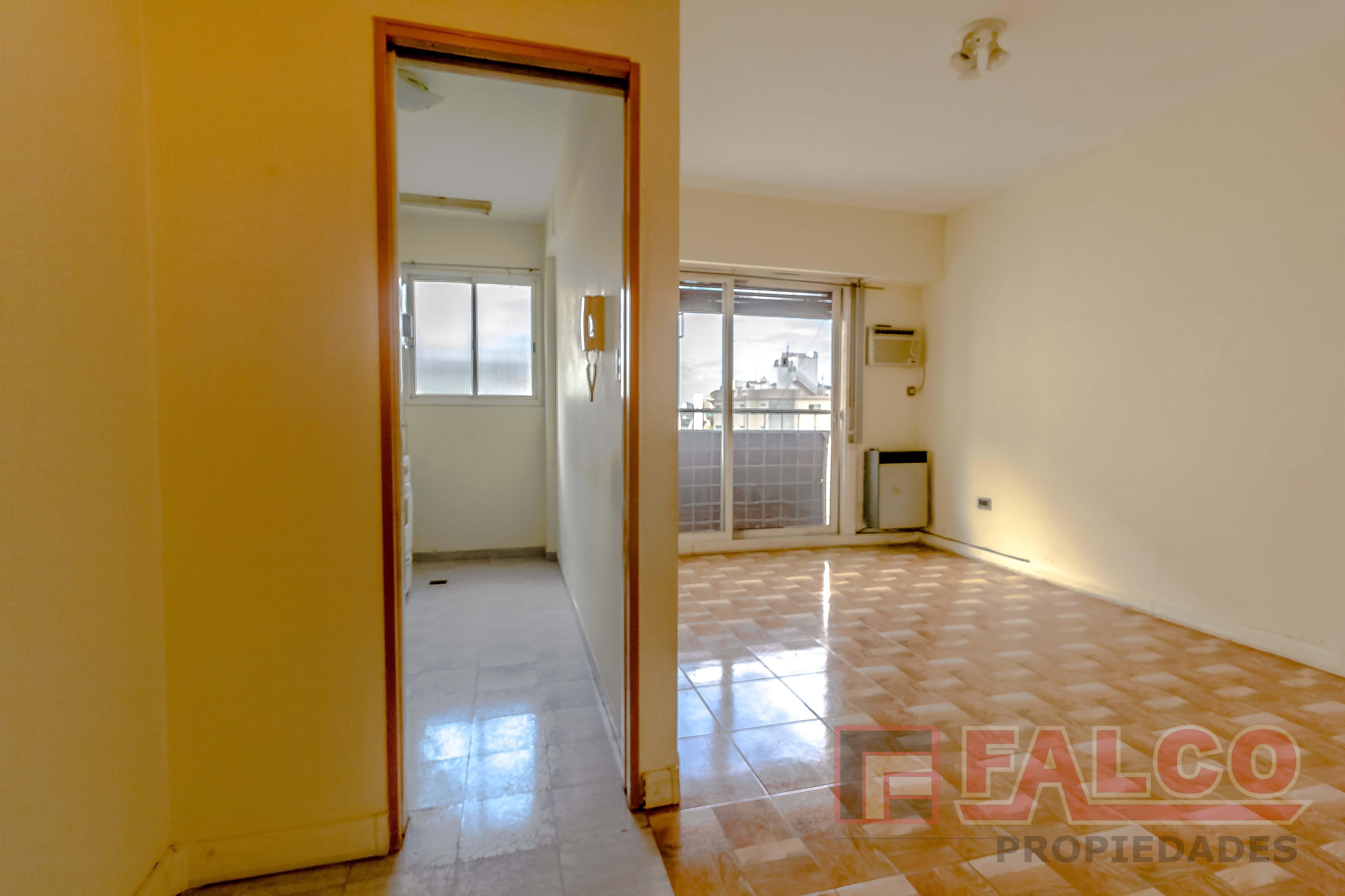 FotoDepartamento en Venta |  en  Flores ,  Capital Federal  Pumacahua 33