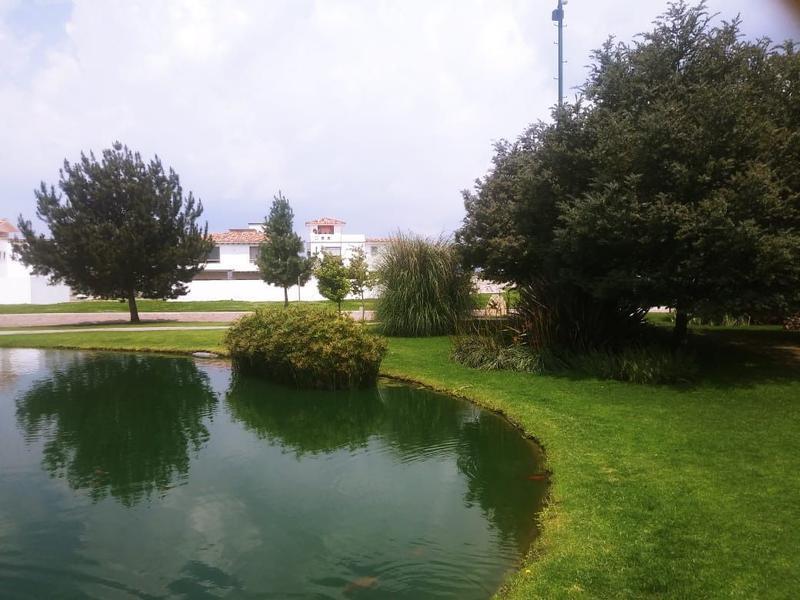 FotoCasa en condominio en Venta |  en  San Miguel Totocuitlapilco,  Metepec  CASA ENNUEVA EN VENTA, CONDADO DEL VALLE METEPEC