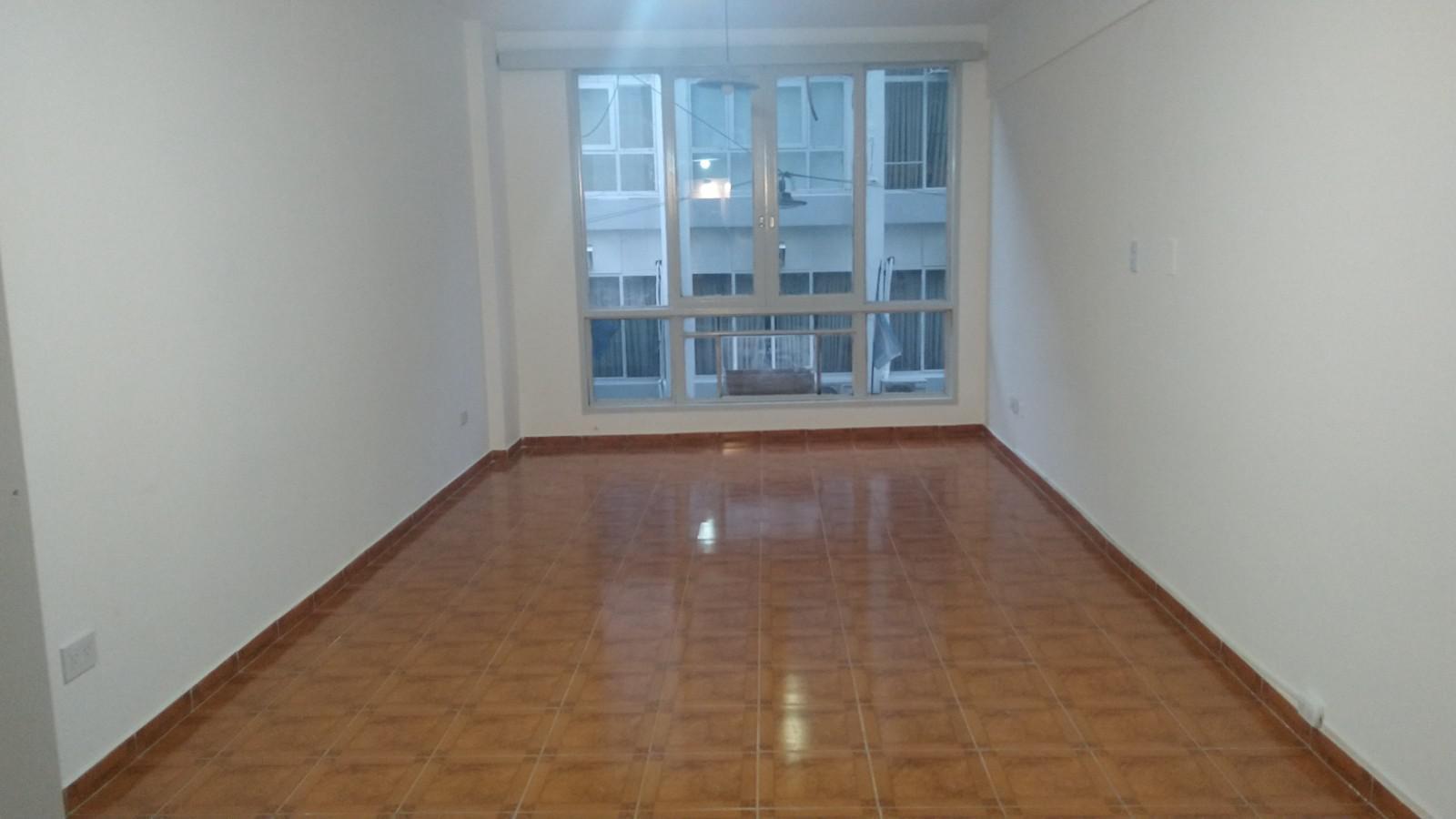 FotoDepartamento en Alquiler |  en  Balvanera ,  Capital Federal  Rivadavia al 1400