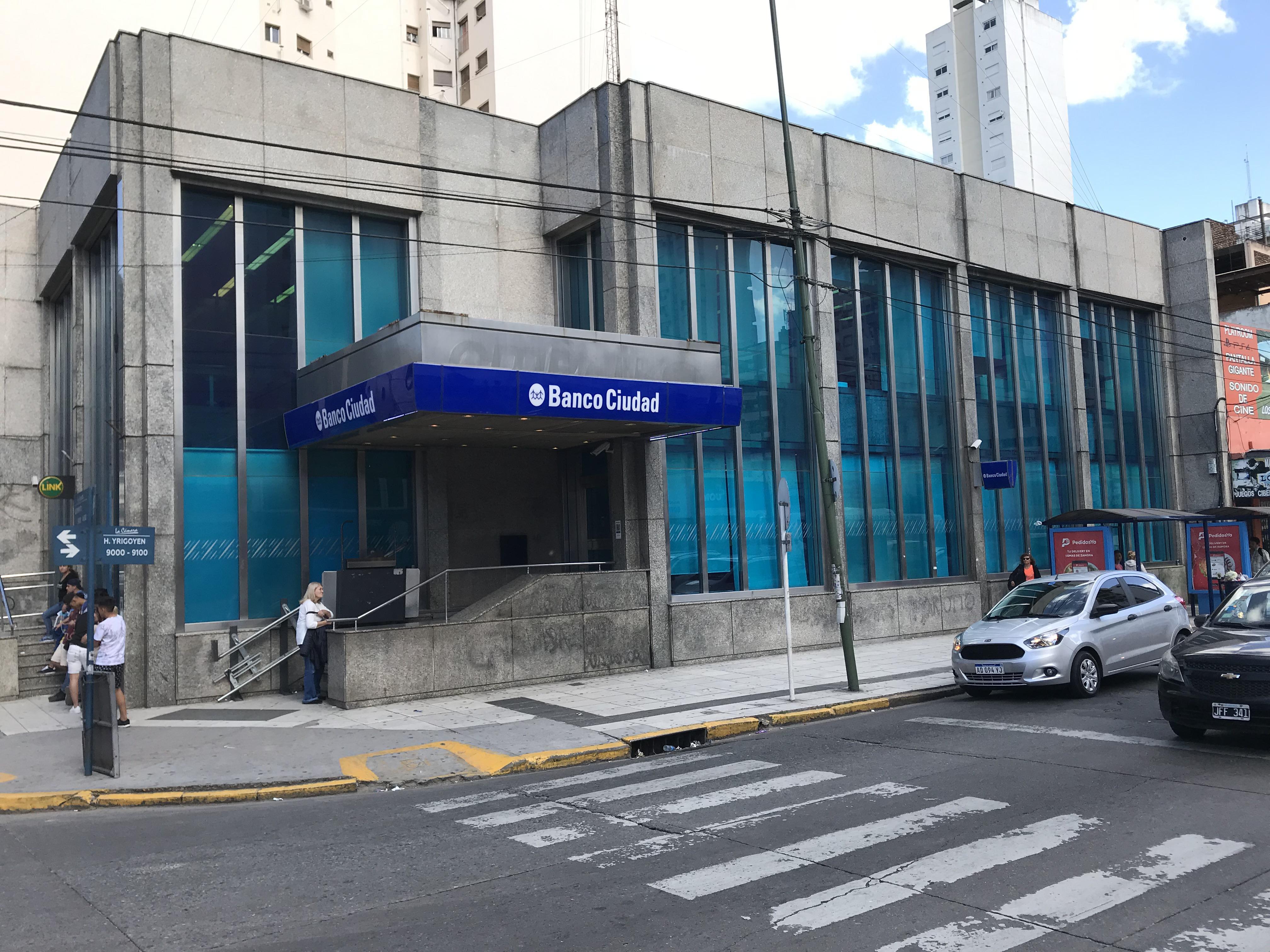 FotoLocal en Alquiler    en  Lomas de Zamora Oeste,  Lomas De Zamora  GORRITI 390 esquina Av. H. Yrigoyen