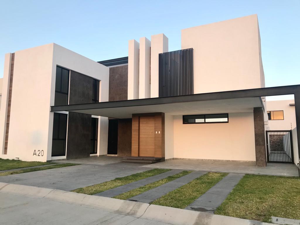 FotoCasa en Venta |  en  Residencial El Molino,  León  Estrena casa de 4 recamaras y Roof Garden!!