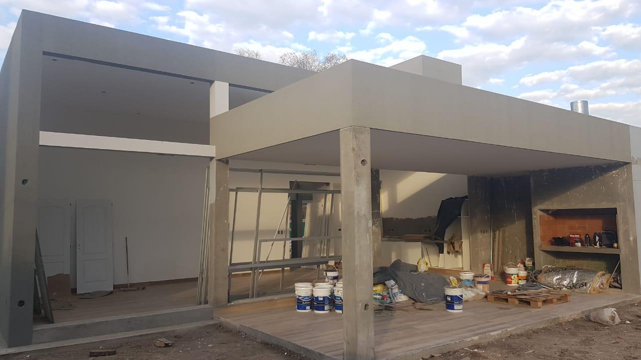 FotoCasa en Venta |  en  Terralagos,  Countries/B.Cerrado (Ezeiza)  Moderna casa en Terralagos lista para mudarse